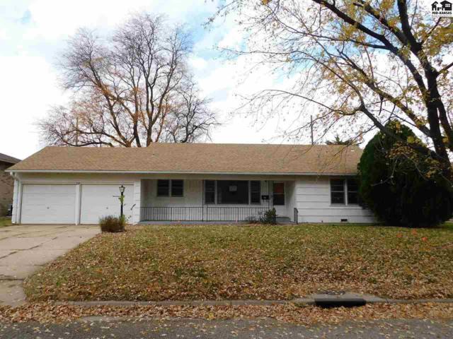19 29th Ct, Hutchinson, KS 67502 (MLS #38641) :: Select Homes - Team Real Estate