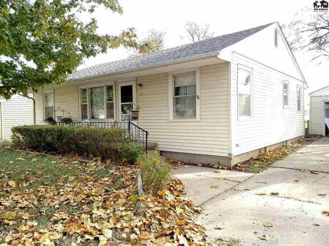 33 Sunflower Ave, Hutchinson, KS 67502 (MLS #38645) :: Select Homes - Team Real Estate