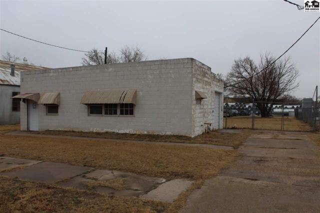 1205 E 2nd Ave, Hutchinson, KS 67501 (MLS #37054) :: Select Homes - Team Real Estate