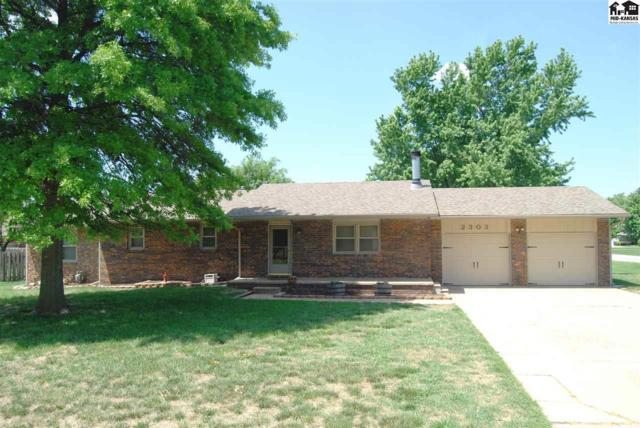 2303 Howell Dr, Hutchinson, KS 67502 (MLS #37447) :: Select Homes - Team Real Estate