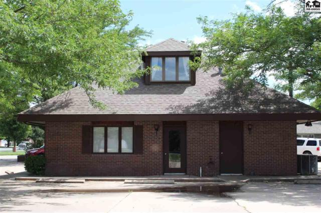 1301 W 30th Ave, Hutchinson, KS 67502 (MLS #37698) :: Select Homes - Team Real Estate