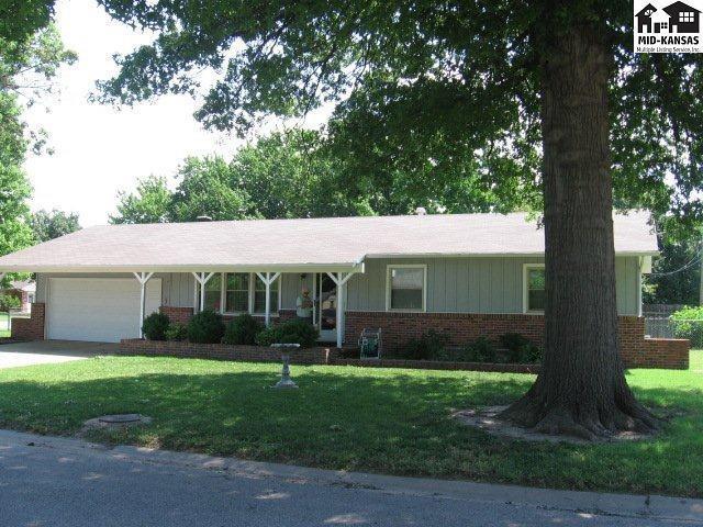 102 S Salina St, Haven, KS 67543 (MLS #35388) :: Select Homes - Team Real Estate