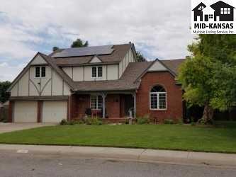 2707 Westminster Dr, Hutchinson, KS 67502 (MLS #35431) :: Select Homes - Team Real Estate