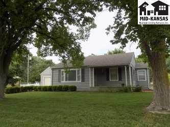 50 E 27th Ave, Hutchinson, KS 67502 (MLS #35467) :: Select Homes - Team Real Estate