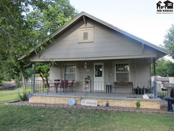 201 S Park Ave, McPherson, KS 67460 (MLS #35495) :: Select Homes - Team Real Estate
