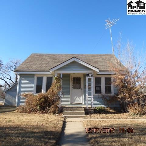 1315 N Monroe St, Hutchinson, KS 67501 (MLS #36497) :: Select Homes - Team Real Estate