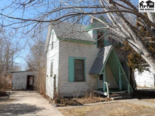 124 S 1st St, Lindsborg, KS 67456 (MLS #36946) :: Select Homes - Team Real Estate
