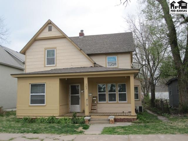 302 W 9th Ave, Hutchinson, KS 67501 (MLS #37342) :: Select Homes - Team Real Estate