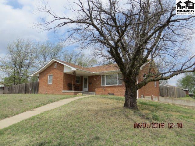 920 E 6th St, Pratt, KS 67124 (MLS #37347) :: Select Homes - Team Real Estate