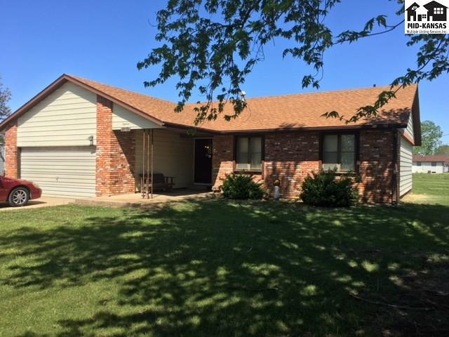 18 S Carlo St, Hutchinson, KS 67501 (MLS #37375) :: Select Homes - Team Real Estate