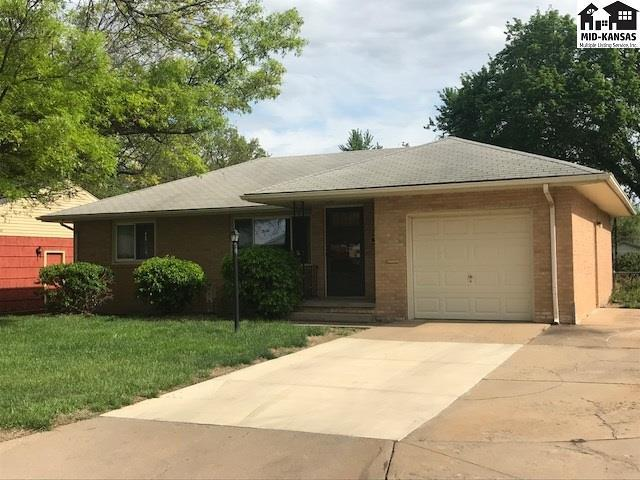 303 W 26th Ave, Hutchinson, KS 67502 (MLS #37401) :: Select Homes - Team Real Estate