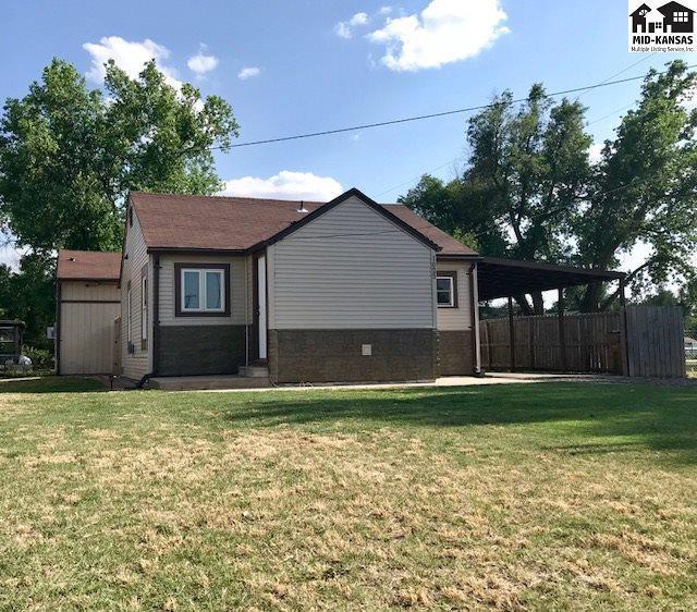 1025 E 16th Ave, Hutchinson, KS 67501 (MLS #37647) :: Select Homes - Team Real Estate