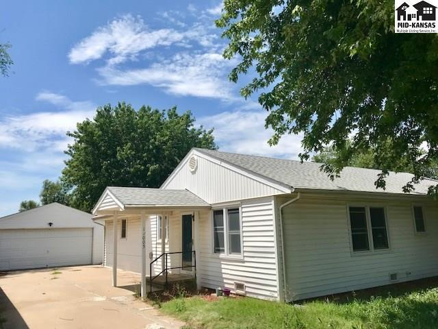 11005 S Osage Rd, Hutchinson, KS 67501 (MLS #37883) :: Select Homes - Team Real Estate