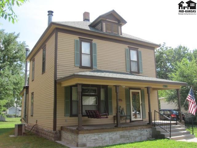 709 E 1st Ave, Hutchinson, KS 67501 (MLS #37891) :: Select Homes - Team Real Estate