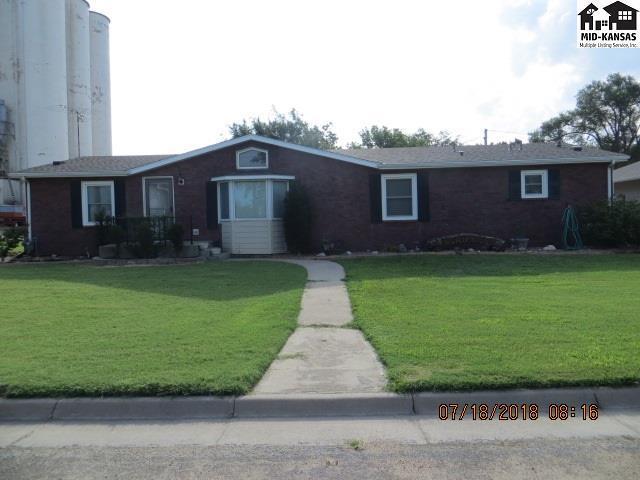 212 S Douglas Ave, Cunningham, KS 67035 (MLS #37925) :: Select Homes - Team Real Estate