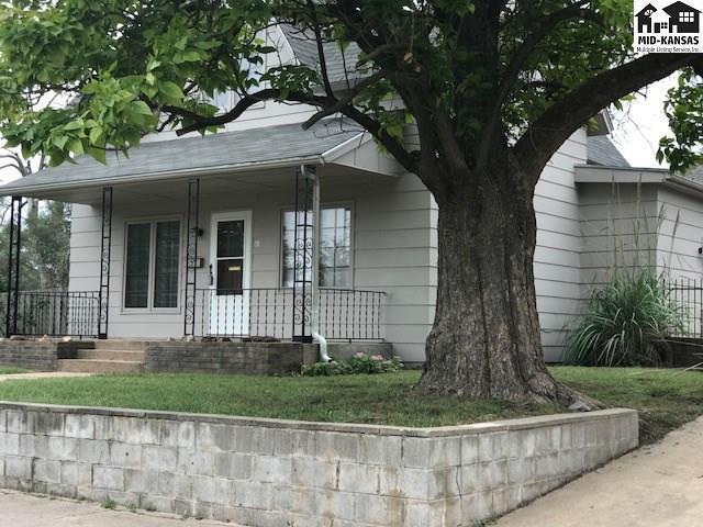 547 E Avenue B, Hutchinson, KS 67501 (MLS #38338) :: Select Homes - Team Real Estate