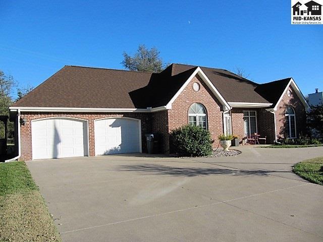 3222 N Lakeview Rd, Hutchinson, KS 67502 (MLS #38478) :: Select Homes - Team Real Estate