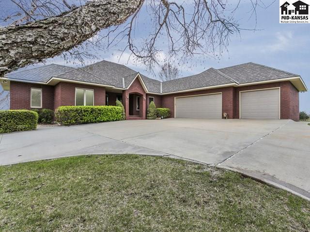 10111 Paganica Pass, Hutchinson, KS 67502 (MLS #34857) :: Select Homes - Team Real Estate
