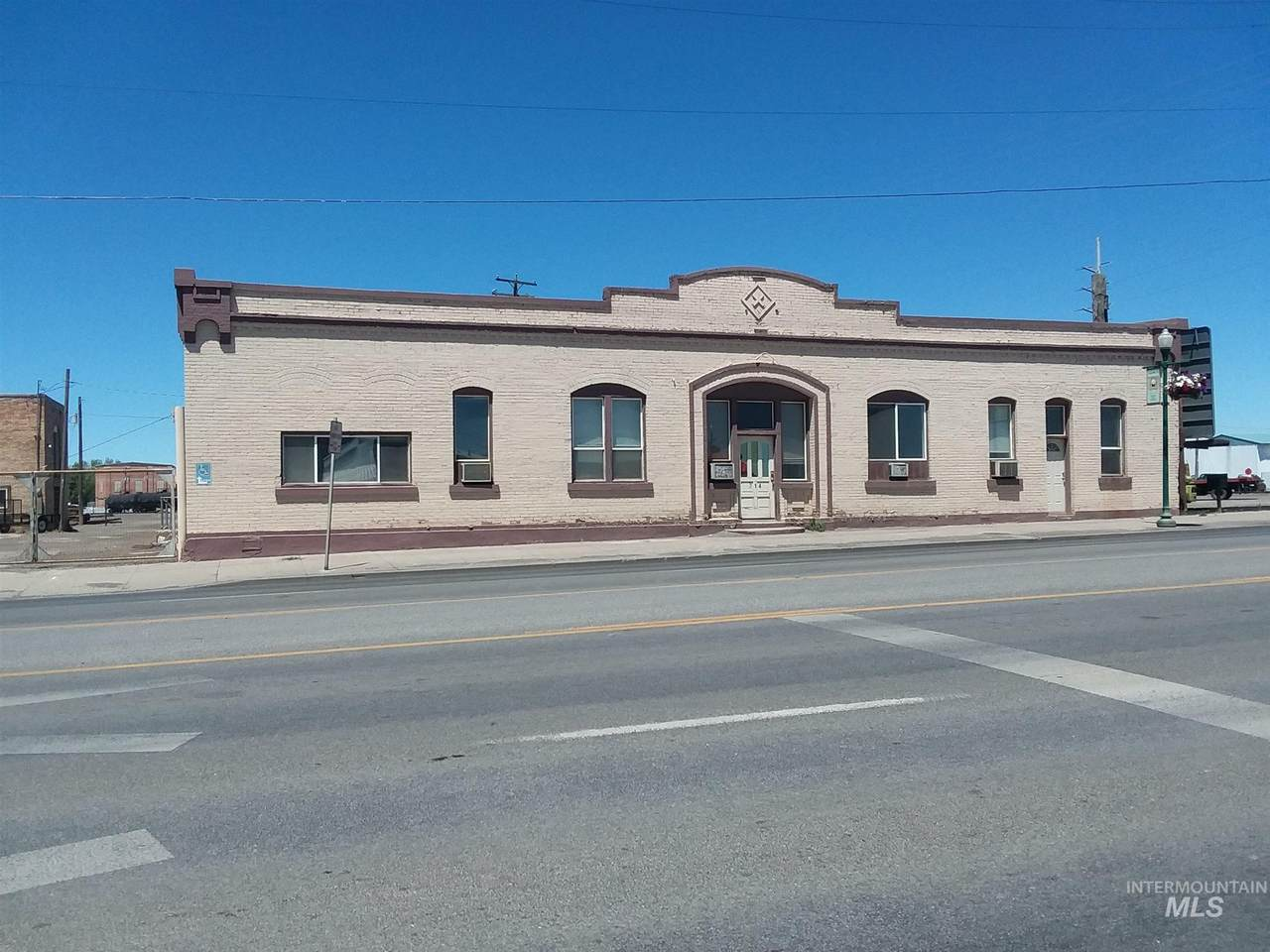 714 & 726 Shoshone Street W - Photo 1