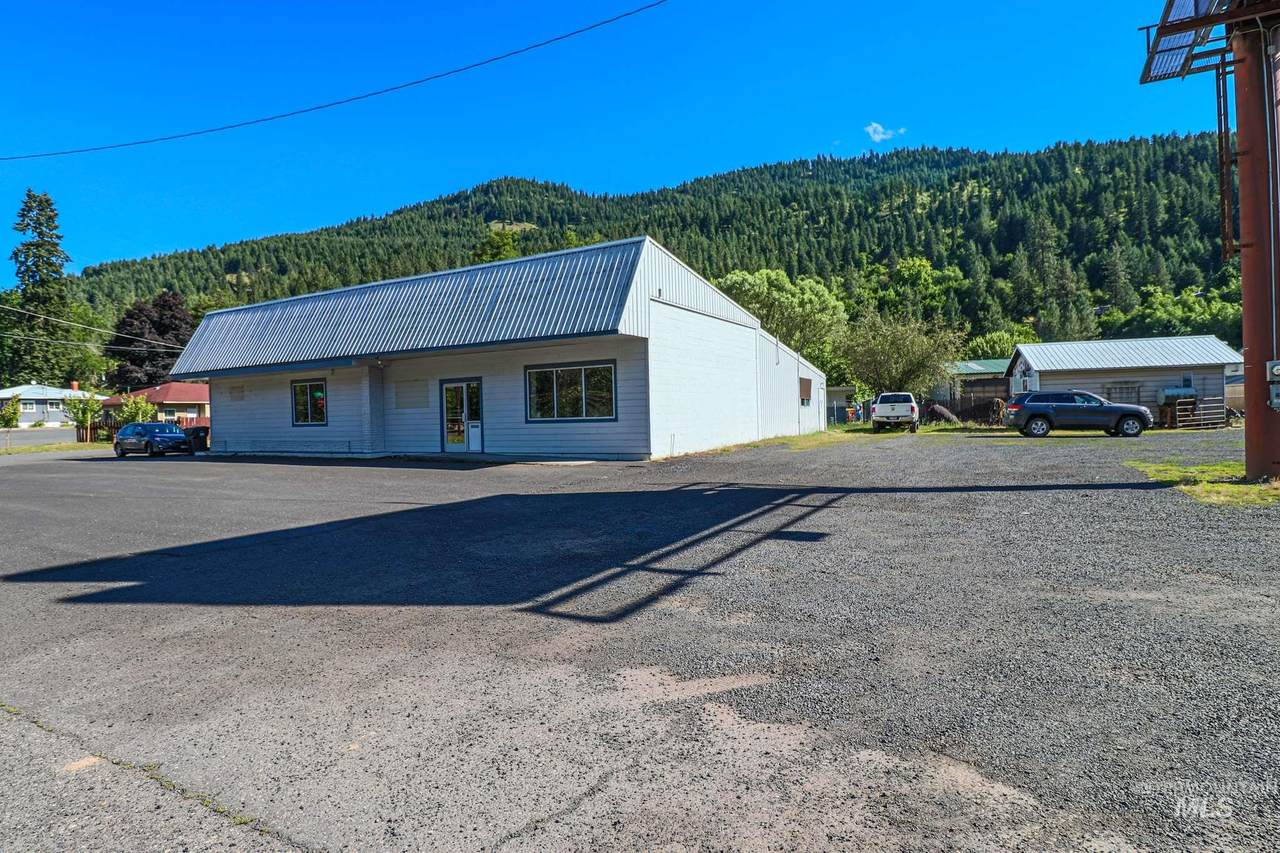 10610 Highway 12 - Photo 1