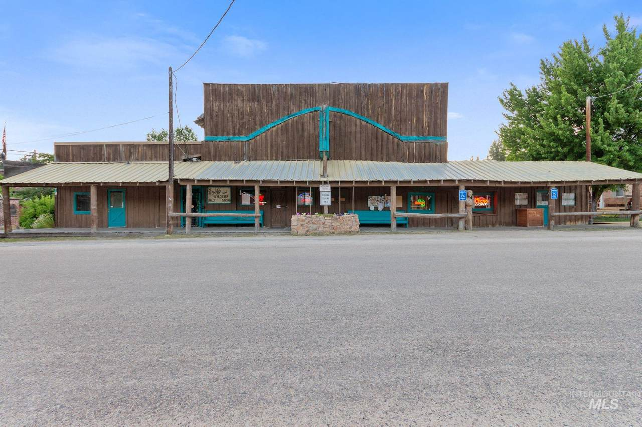 407 Main Street - Photo 1