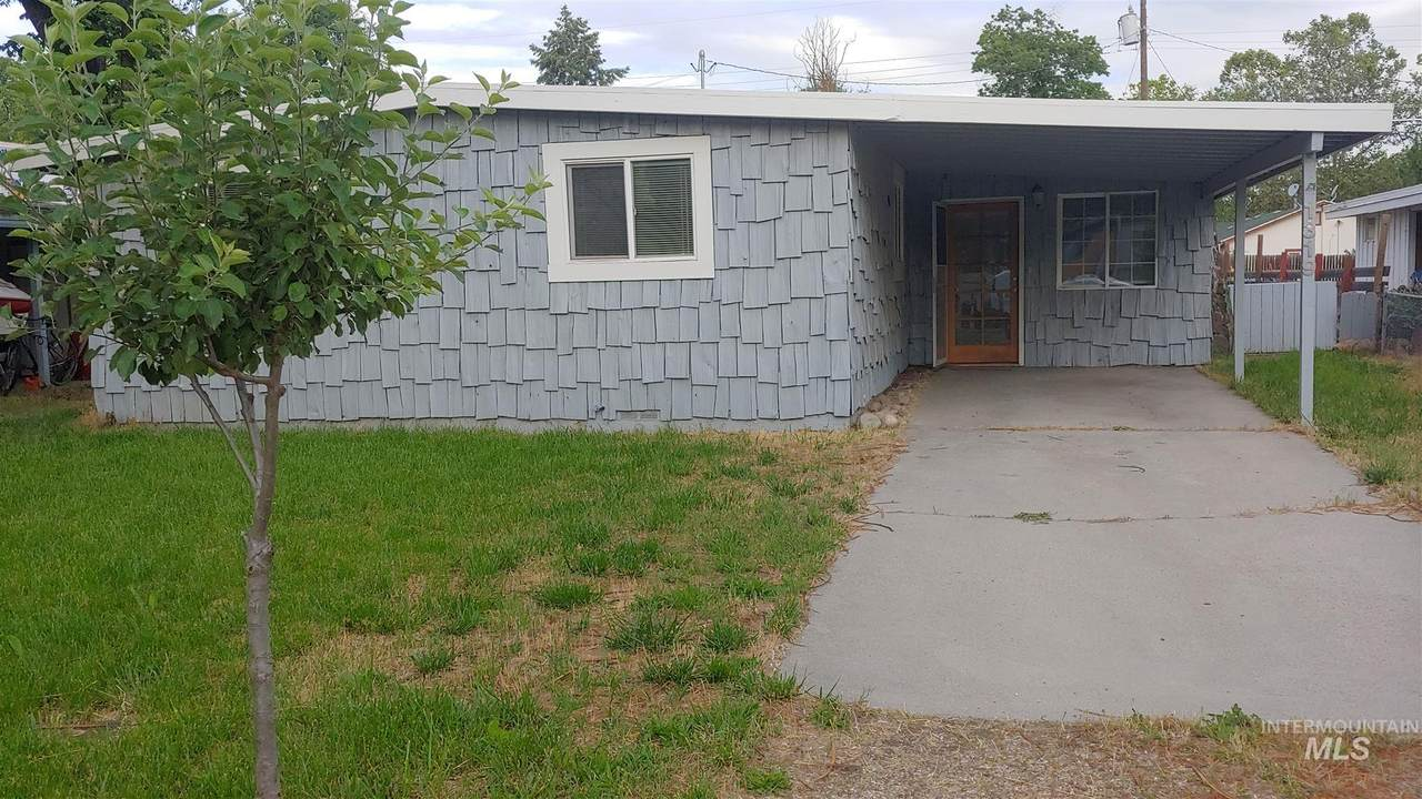 1319 Division Ave - Photo 1