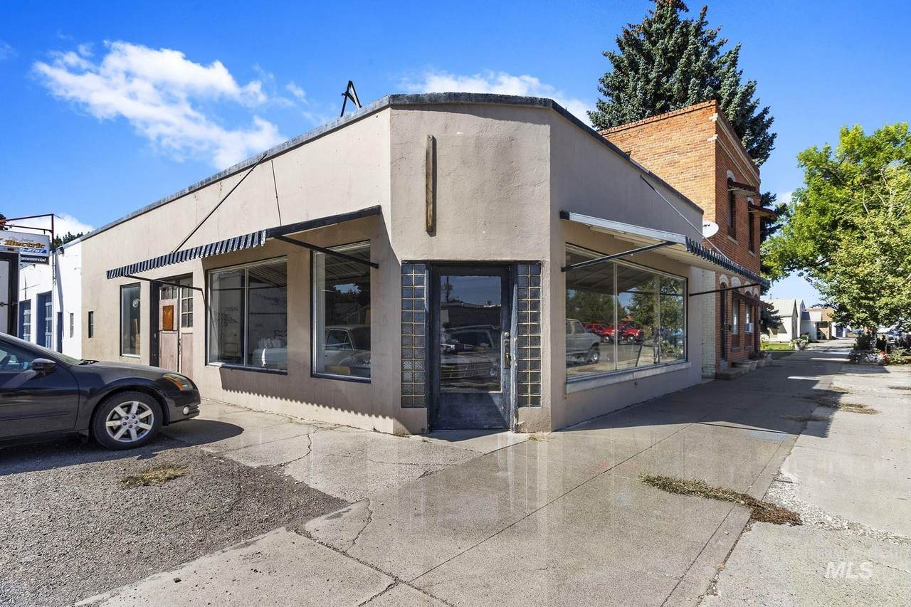 208 4th West - Photo 1