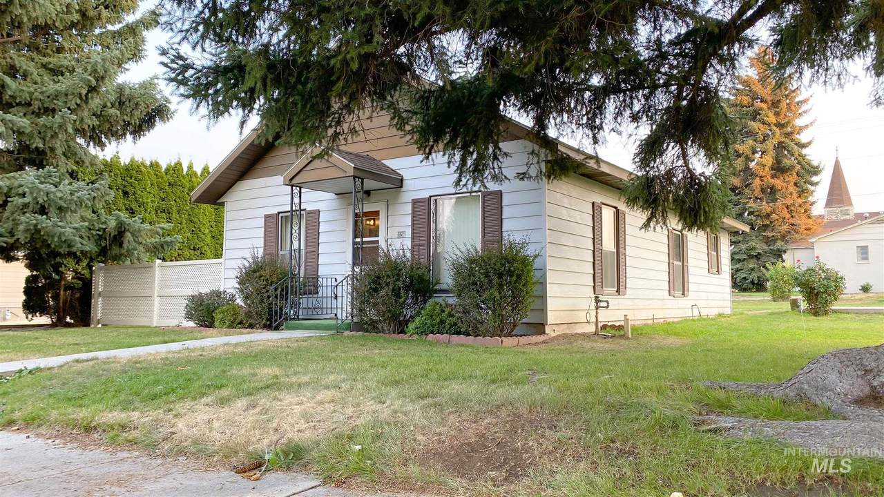 152 B Ave E - Photo 1