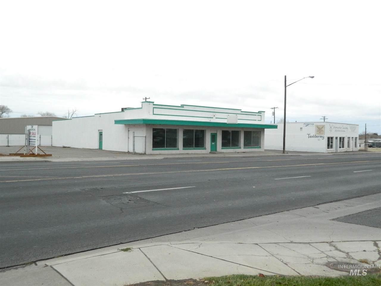 261 Addison Ave W - Photo 1