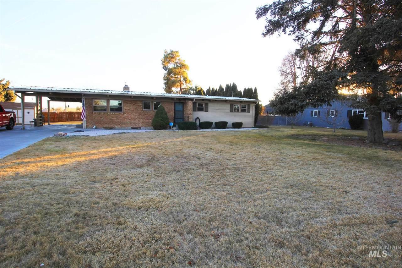 320 Polk St E - Photo 1