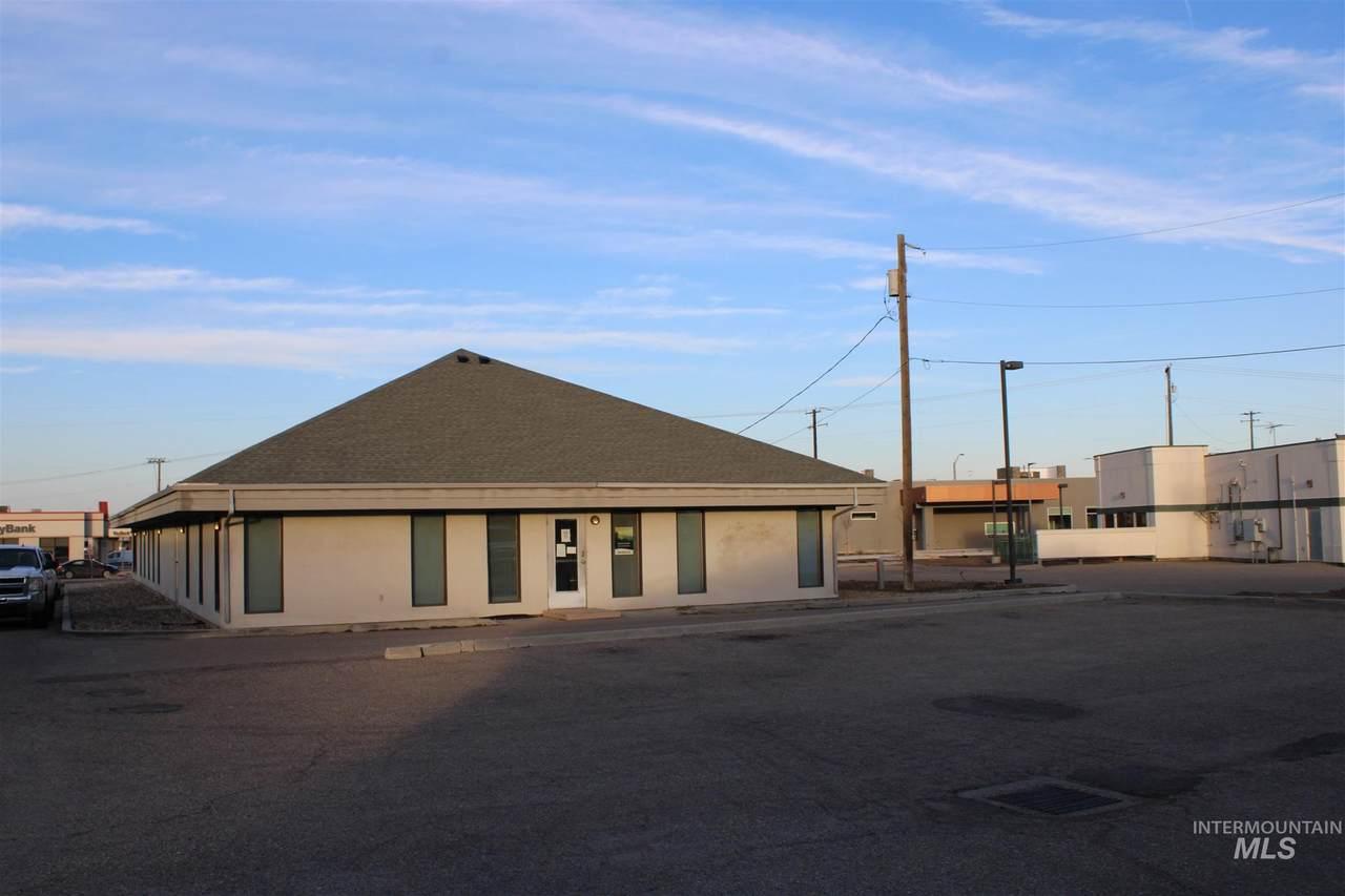 1015 Caldwell Boulevard - Photo 1