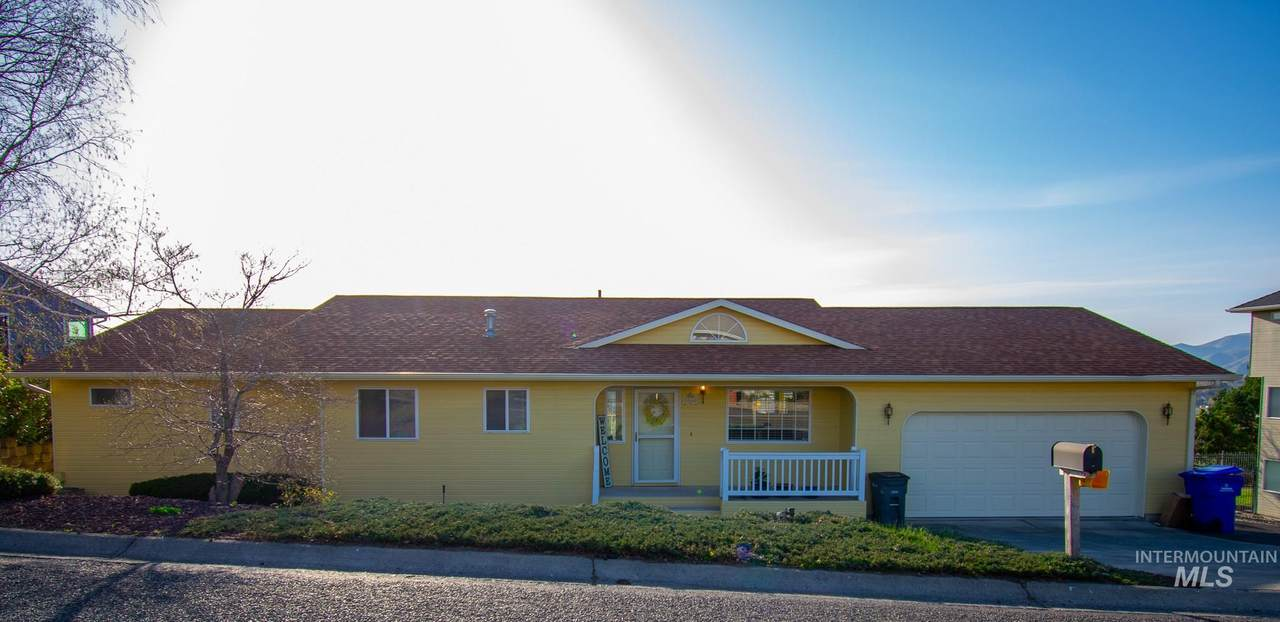 3860 Country Club Dr. - Photo 1