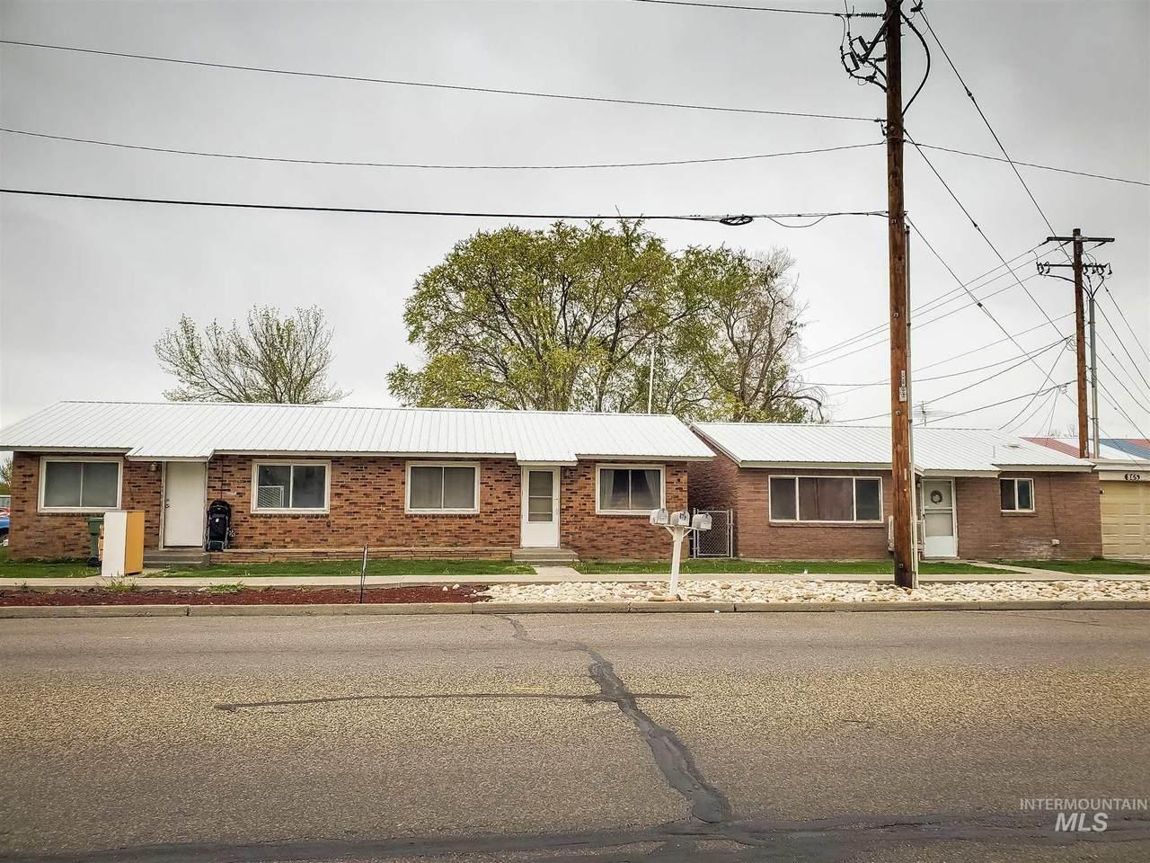 879 Idaho Ave - Photo 1