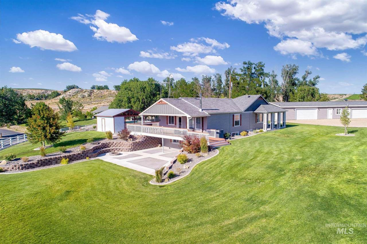 25094 Homedale Rd - Photo 1