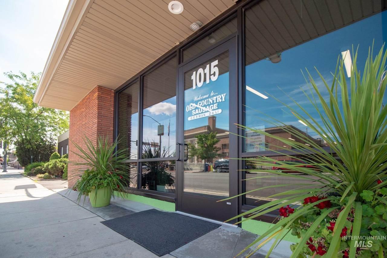 1015 2nd Street - Photo 1