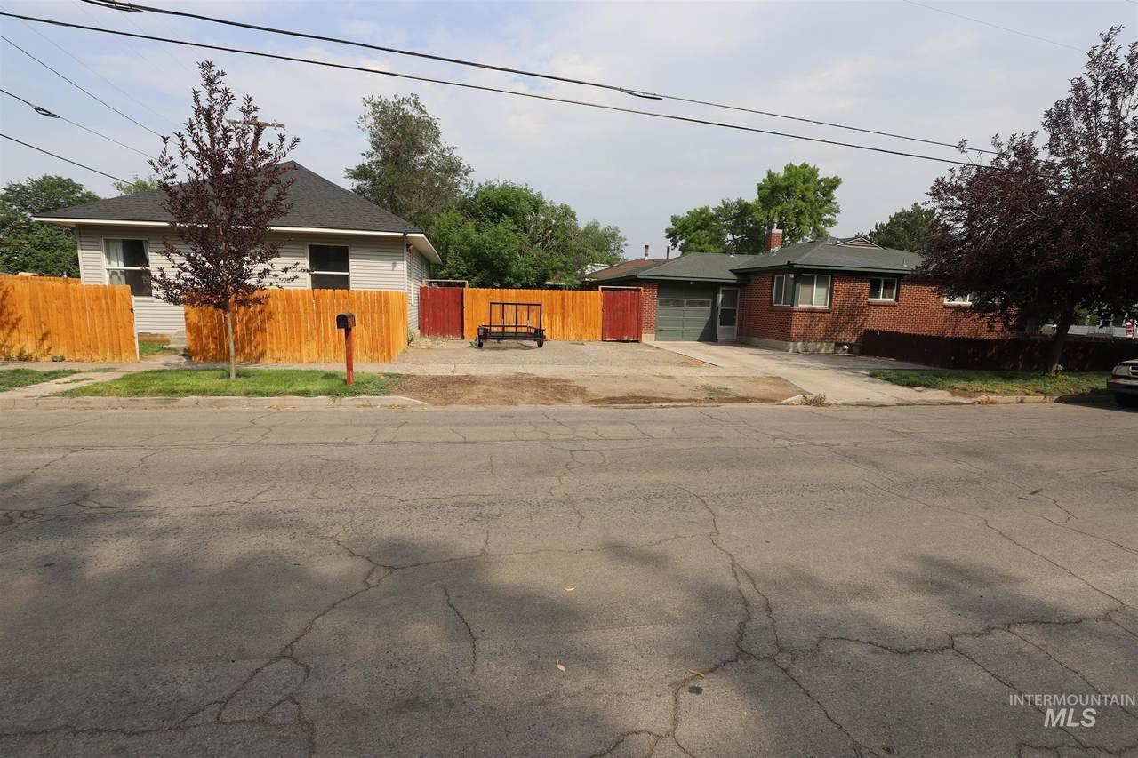360 4th Ave. E & 327 Jerome St. - Photo 1