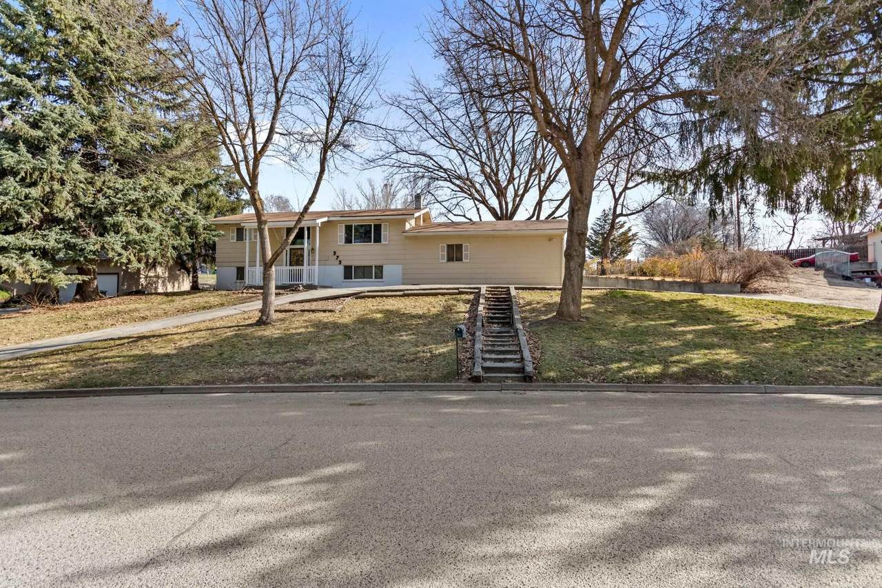 373 Perry Drive - Photo 1