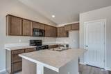 875 Crested St - Photo 10