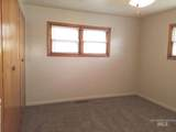 1715 10th Ave - Photo 8