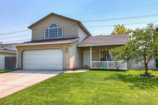 919 W Oakmont Ave, Nampa, ID 83686 (MLS #98665660) :: Jon Gosche Real Estate, LLC