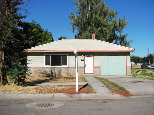 423 Maple Ave, Emmett, ID 83617 (MLS #98667896) :: Boise River Realty