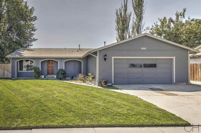 1895 W Chateau Drive, Meridian, ID 83646 (MLS #98667971) :: Boise River Realty