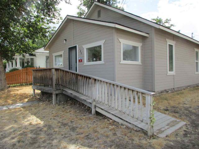 189 N Alton Ave, Glenns Ferry, ID 83623 (MLS #98671258) :: Build Idaho