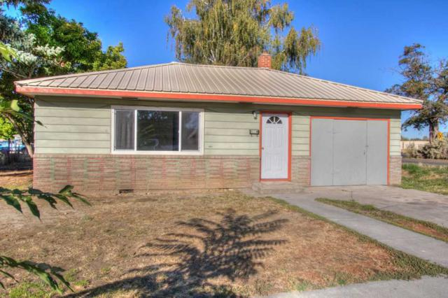 423 Maple Ave, Emmett, ID 83617 (MLS #98673116) :: The Broker Ben Group at Realty Idaho