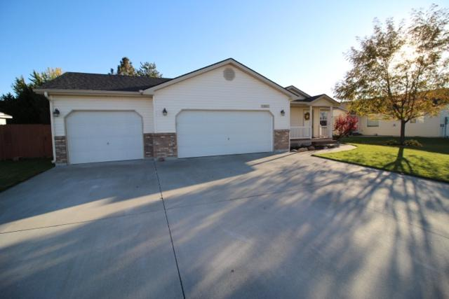 111 NE Victor Gust, Mountain Home, ID 83647 (MLS #98673687) :: Juniper Realty Group