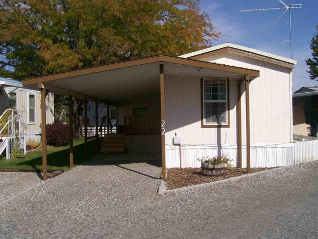 22 Blue Spruce Drive, Hagerman, ID 83332 (MLS #98674128) :: Jon Gosche Real Estate, LLC