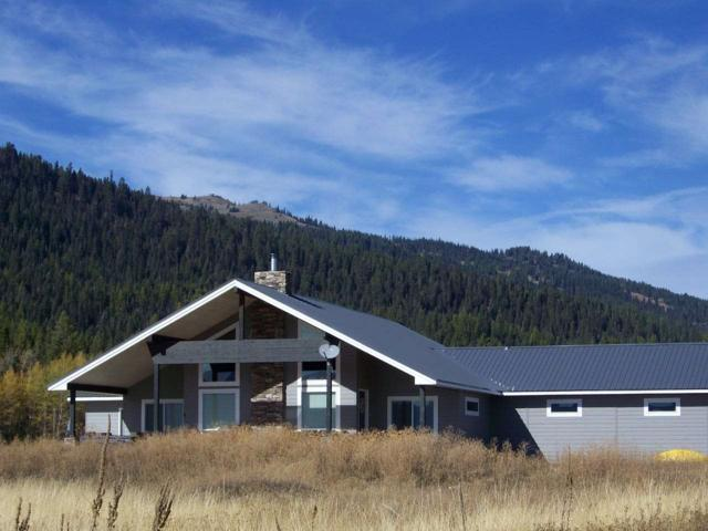 1885 Little Pine Rd, Donnelly, ID 83615 (MLS #98675318) :: Zuber Group