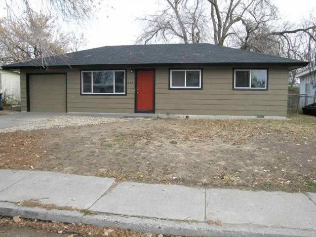 685 S 13th E, Mountain Home, ID 83647 (MLS #98676161) :: Zuber Group