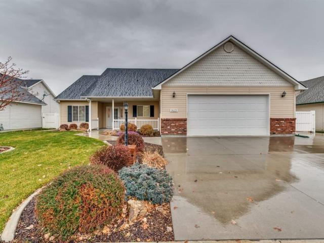 302 S Alcove, Star, ID 83669 (MLS #98676727) :: Build Idaho