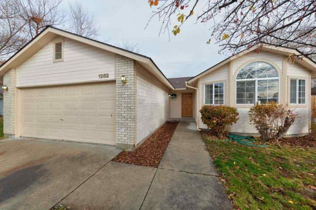 1282 W Greenhead, Meridian, ID 83642 (MLS #98676802) :: Build Idaho